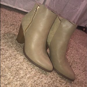 Booties/shoes